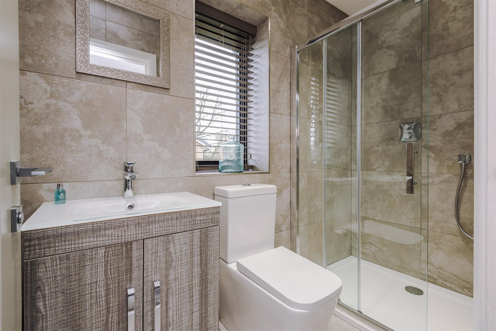 4 bedroom detached house For Sale in Bolton - DSC_9328.jpg.